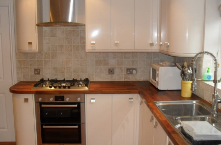Kitchen fitters covering Ampney Crucis Glos area, bathroom installers Cirencester areas